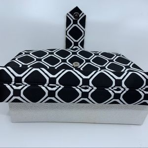 Top Beauty Bags - Top Beauty Clutch with artistic acrylic fastener